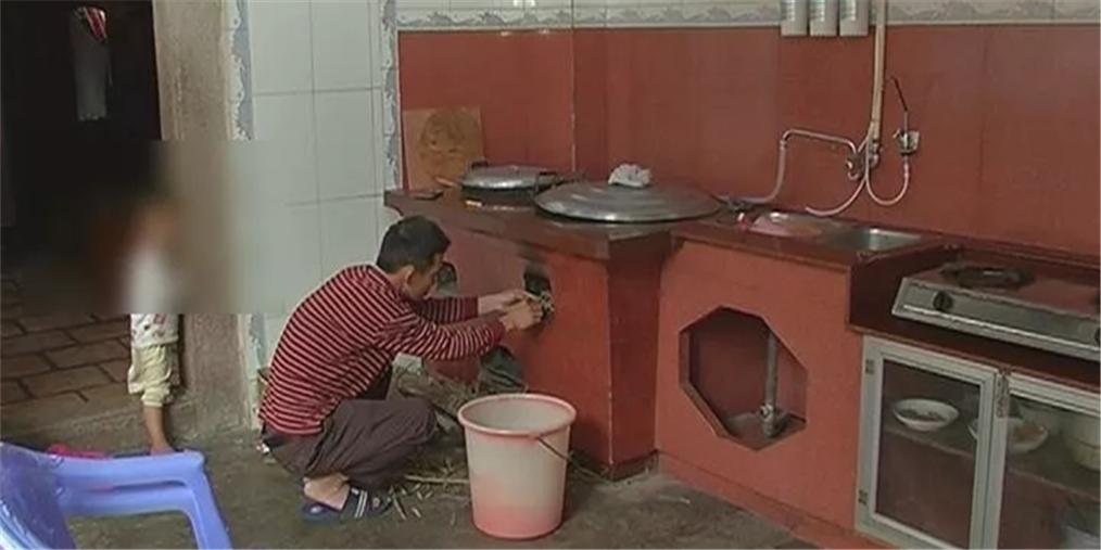 揭阳女童意外打翻开水桶 全身80%面积烧伤
