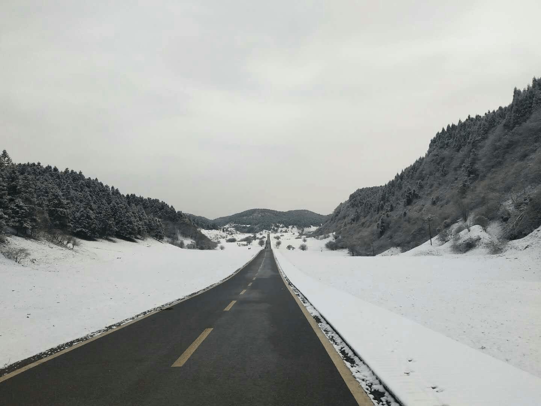 仙女山迎今冬第一场降雪 滑雪大戏即将开启