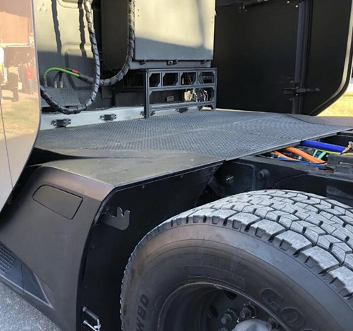 后桥4个独立电机 特斯拉Semi电动卡车内部结构曝光