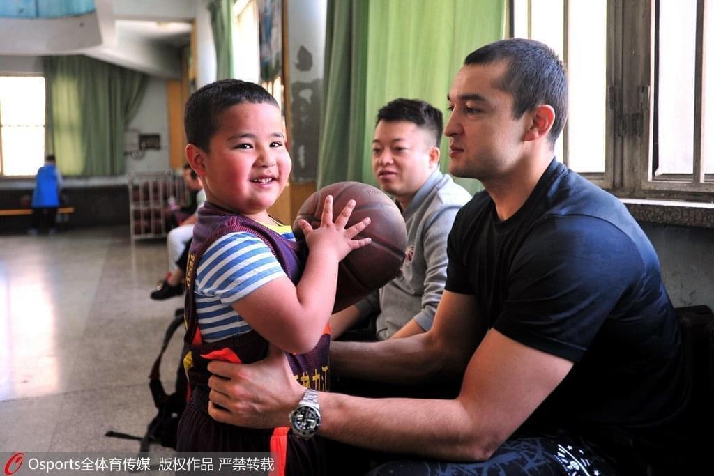 西热力江:向往当教练 想带领新疆孩子建冠军王朝