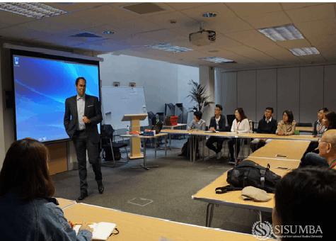 2016上外MBA海外商业学习之旅牛津站开启