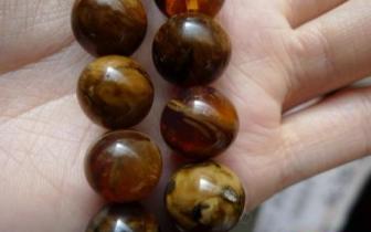 缅甸籍男子欲携带48斤玉石和琥珀串珠闯关