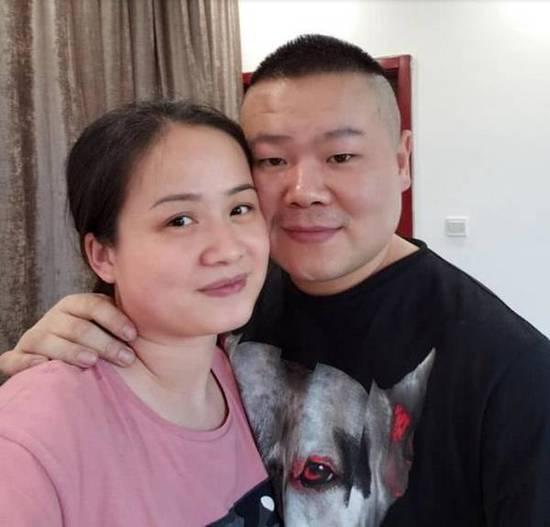 岳云鹏老婆晒合照 两人好有夫妻相