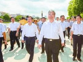 佛山市委书记鲁毅带队巡查河道:践行河长制