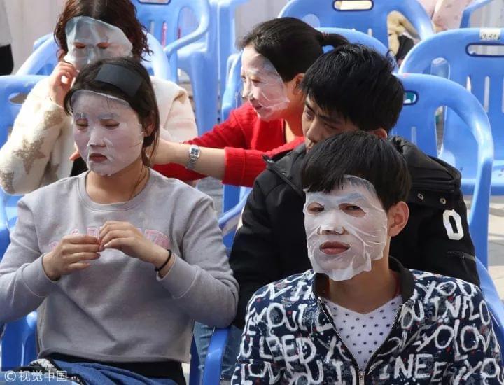 被面膜毁掉的中国女人