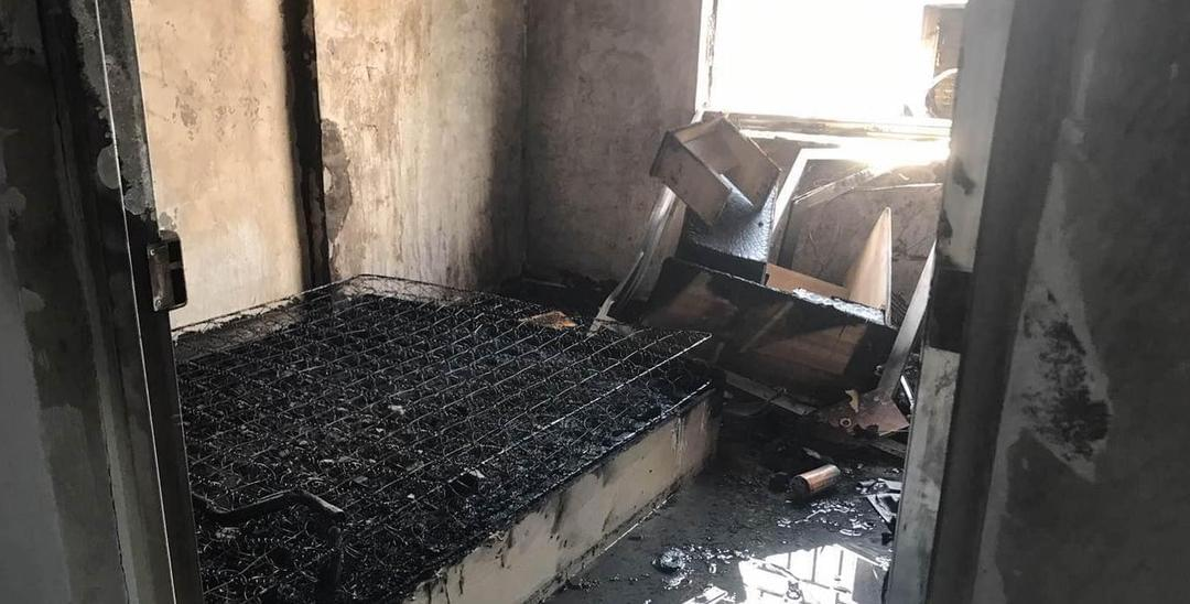 深圳女子躺床上吸烟家被烧光 被拘留10天