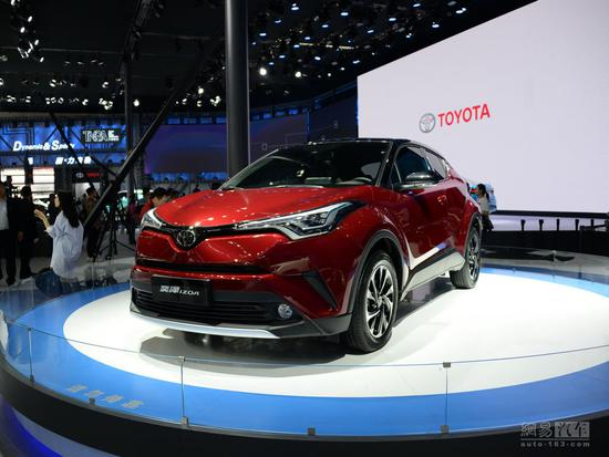 图为北京车展亮相的一汽丰田奕泽IZOA燃油版车型