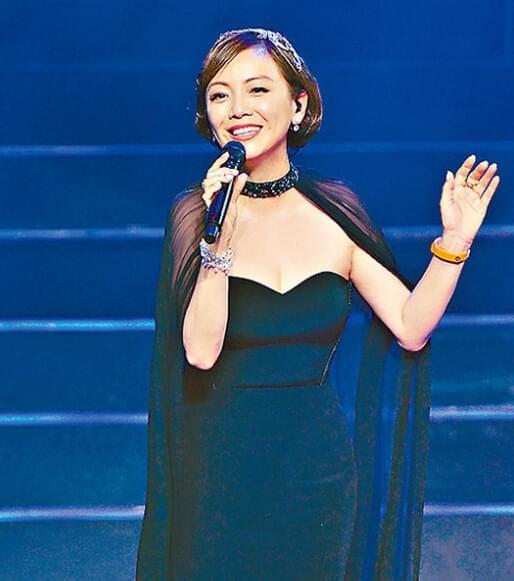 邓萃雯陈赫深情对唱 被淘汰网友替其不值