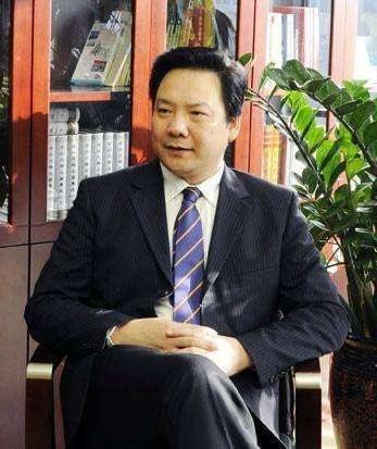 陈雨露:建设养老社区和特色养老小镇