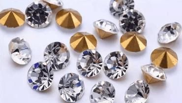 珠宝鉴别需谨慎 揭玻璃冒充过的5种珠宝