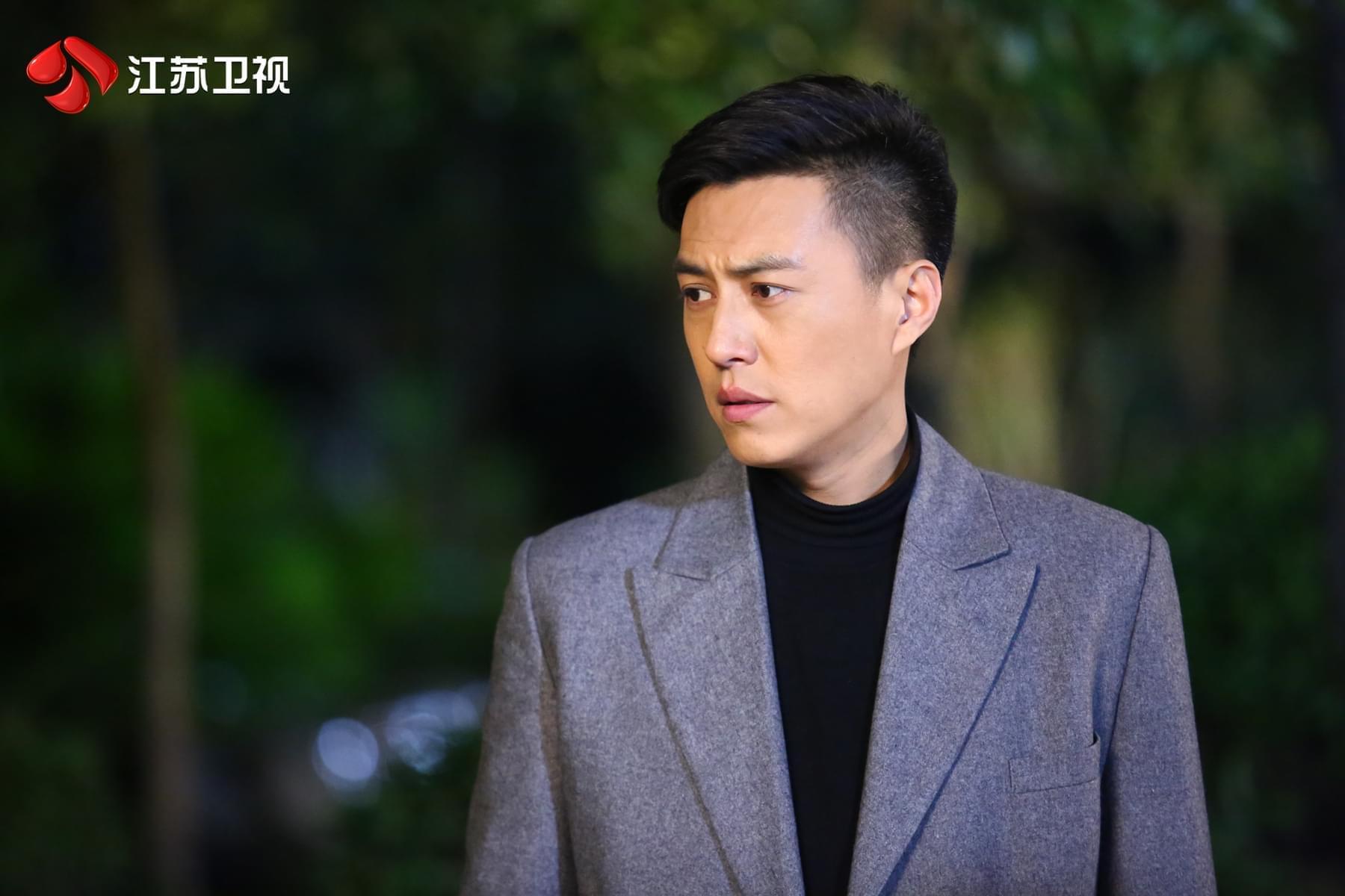 《我们的爱》靳东演渣男引热议 被童蕾扇耳光