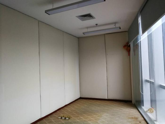 而从多个房间看出,由于地处CBD,视野较为开阔。