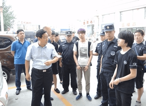 运城:连砸23辆车玻璃盗窃嫌疑人落网