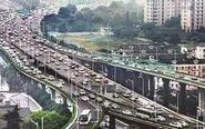 汽车排队过江阴大桥 场面堪比渡江战役