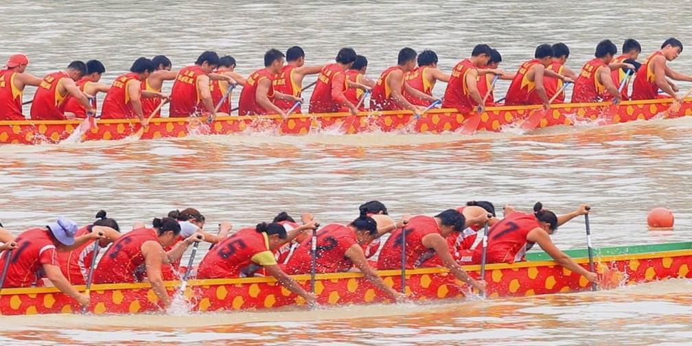 520网易美女与你一起,走马观花看龙舟!