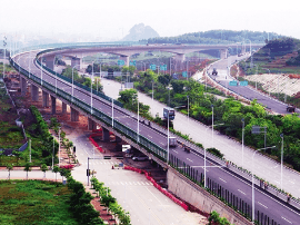 两条机场高速公路并肩服役 南宁速度让人惊叹