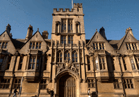 牛津师资误一生?失业律师状告母校索赔百万英镑