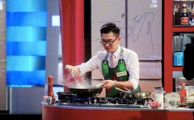彭宇亮相《鲜厨当道》 也有一颗美食初心