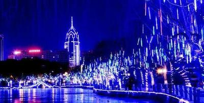 文瀛公园万盏彩灯装扮 浪漫如童话世界