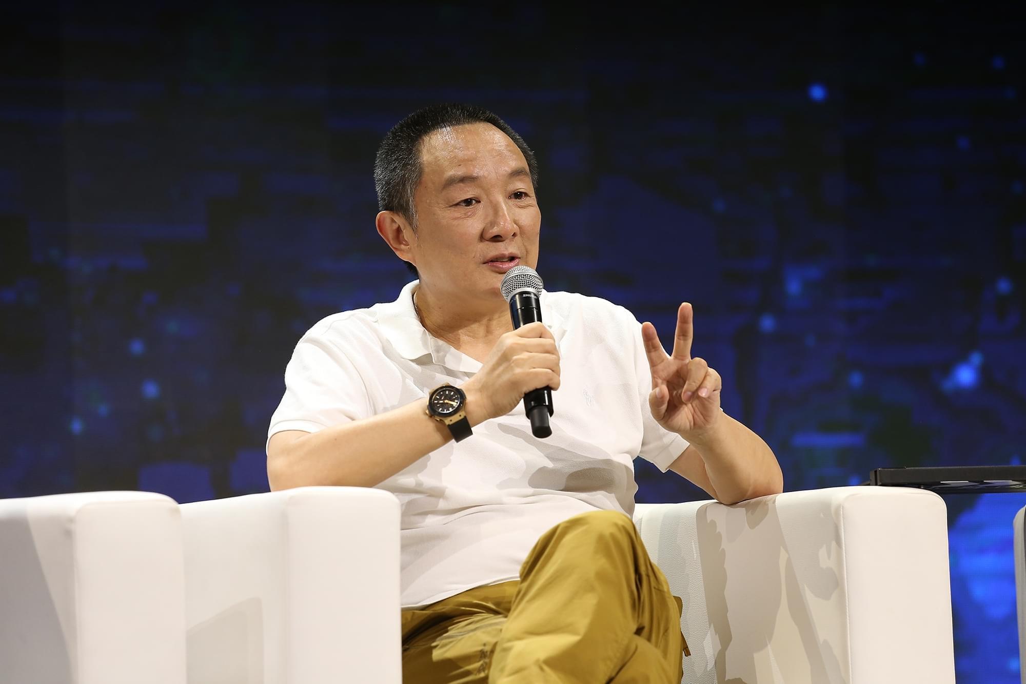 张嘉译揭演员片酬:并非传言那么高 会让步和牺牲
