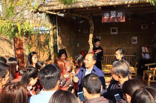 观背村文艺复兴:村子美了,年轻人更愿回家创业