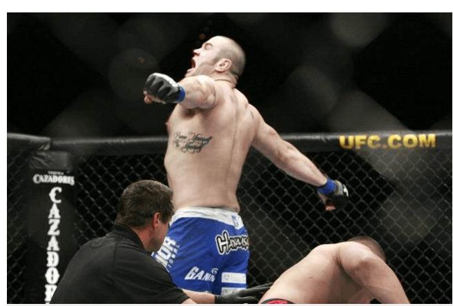 跨界悲剧!UFC选手战拳坛被重击致死 生涯10次遭KO