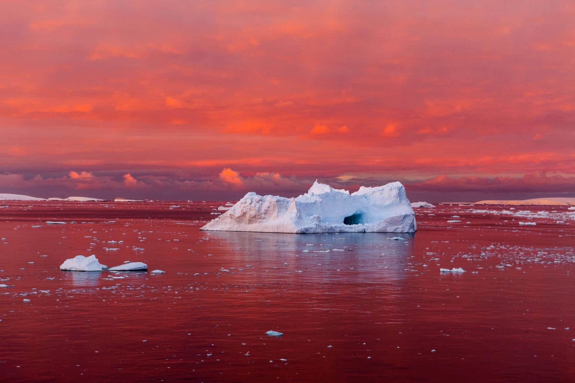 沿海城市危险!南极洲融化成定势 冰架已现大裂缝