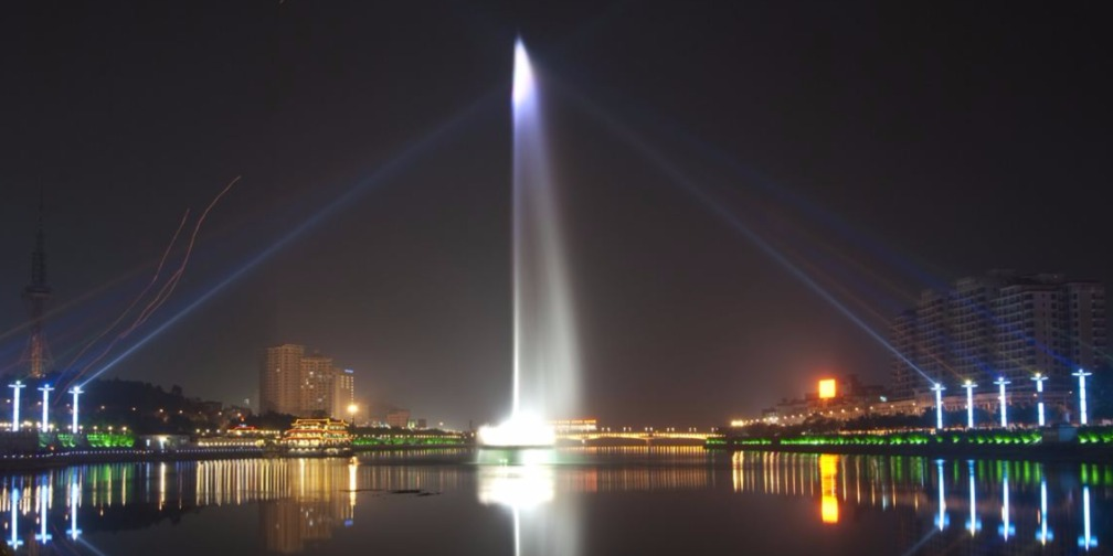 奋力建设天蓝地绿水清的美丽广东