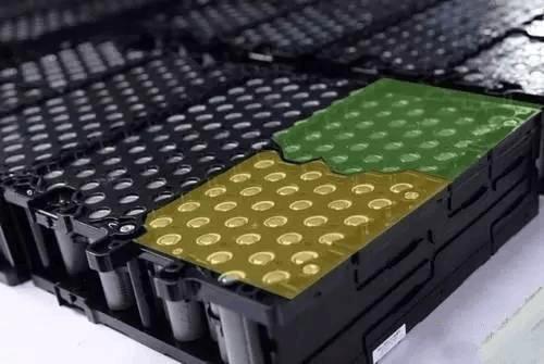 比亚迪动力电池出货量遭宁德反超 争夺战愈演愈烈