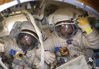 俄宇航员太空行走创纪录 但却在最后时刻装错天