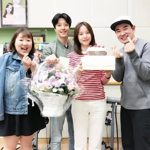 李东健做客妻子主持电台节目:前一天突然决定