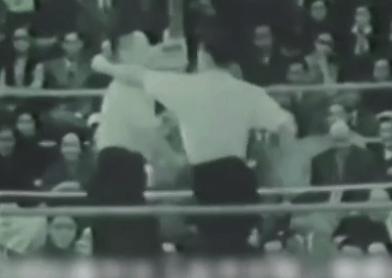 不堪回首!1954年太极PK轰动港澳 被吐槽像王八拳
