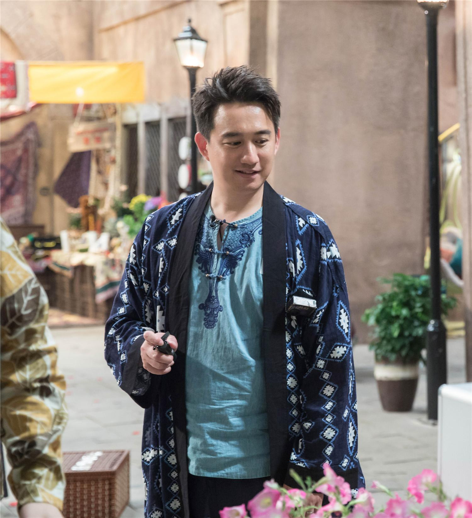 """黄磊《我是大侦探》""""神算子""""变街头艺人玩杂耍"""