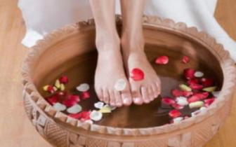静脉曲张的患者 千万别用热水泡脚