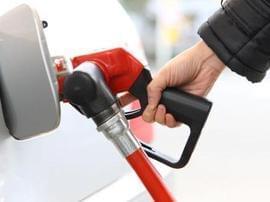 加满一箱92汽油要多花费约7元!预计下一轮调价将…