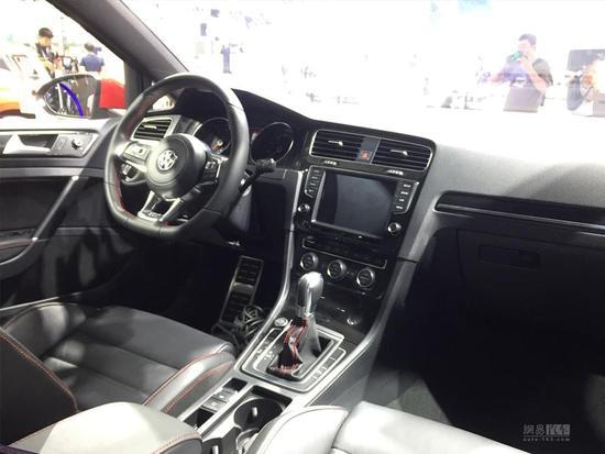 2017成都车展探馆:新款高尔夫GTI实车图
