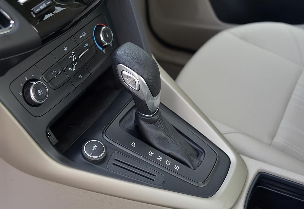 成为车流中的焦点 解读全新福克斯精湛设计