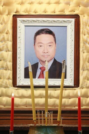 香港演员曾守明设灵 遗照用电视剧中造型照