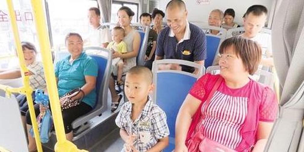 五塘居民可坐公交车来市区 15分钟一班票价3块