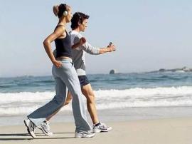 每天走8800步住院少 晚练到底伤不伤阳气