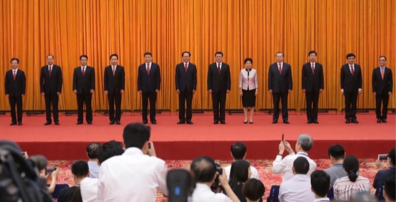 新一届省委常委与记者见面