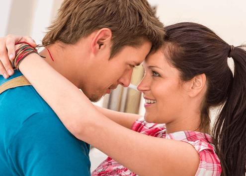 女人撒娇最易打动男人?学会这6招!