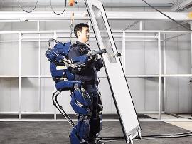 2018年你会看到有人穿着外骨骼机器人工作