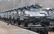 北约增兵 德军运大批坦克