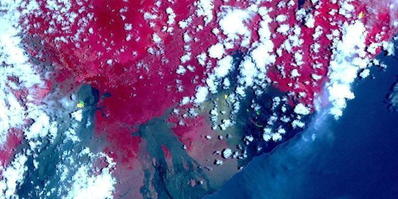 NASA从太空监测夏威夷基拉韦厄火山熔岩喷出情况