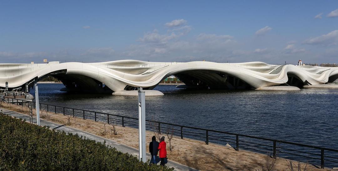 北京副中心景观大桥造型奇特 宛如艺术品