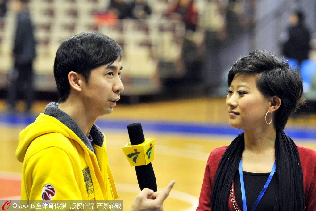王佳接受采访