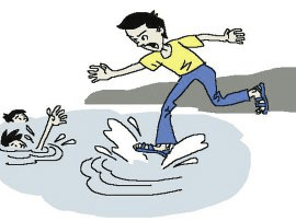 女子轻生跳水 河津志愿者下水施救