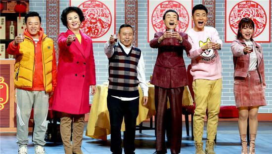 《2018辽视春晚》收视口碑双高 笑点情怀并重