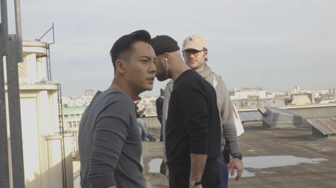 《着迷》MV花絮视频曝光 陈伟霆不顾危险爬顶楼